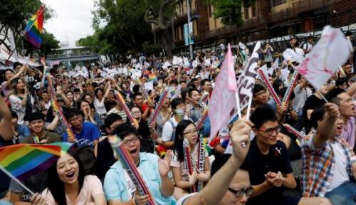 Foto Kaum Gay Sumbang Penularan HIV Tertinggi di Filipina