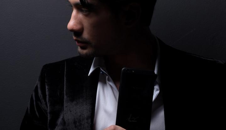 Foto Berita OPPO Tutup Pre-Order F3 Reza Rahadian Limited Edition