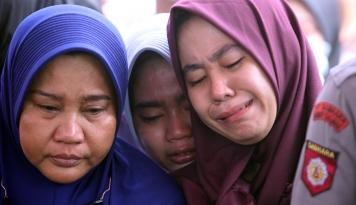 Foto Jenguk Korban Bom, Anies: Insya Allah Cobaan Ini Berbuah Pahala