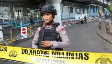 Foto Polisi Ringkus 3 Orang Terduga Pemboman di Kampung Melayu