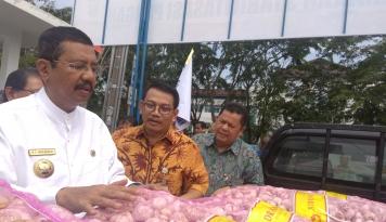 Foto Gubernur Erry Imbau Warga Sumut Tak