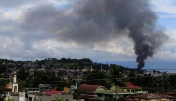 Foto Militer Filipina Amankan Kota Marawi