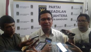 Foto PKS Bandung Minta Pemerintah Stabilkan Harga Sembako