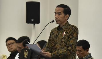 Foto Jokowi: Kepercayaan Publik Terhadap Polri Semakin Kuat