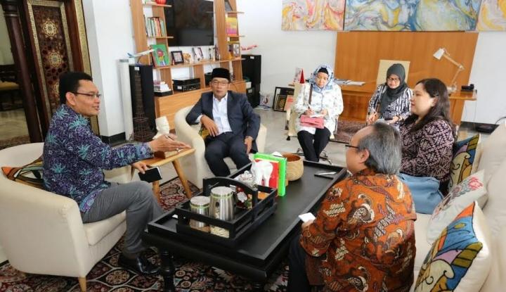 Foto Berita Gaet Kadin, Ridwan Kamil Fasilitasi Anak Muda Magang ke Jepang