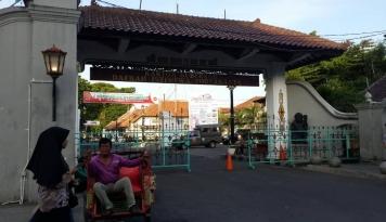 Foto Sultan Yogyakarta Imbau Masyarakat Agar Bersahabat Dengan Alam