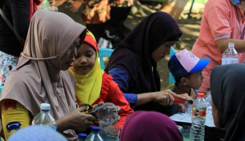 Foto WOM Finance Renovasi Sekolah PAUD di Bekasi