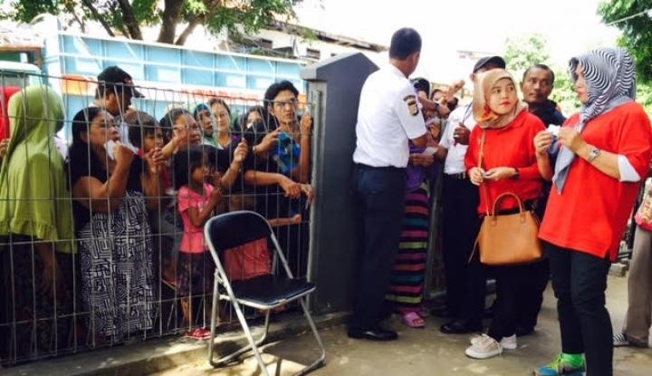 Foto Berita Semen Baturaja Bagikan 20.500 Paket Sembako