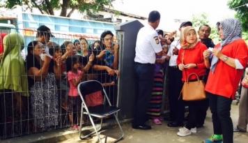 Foto Semen Baturaja Bagikan 20.500 Paket Sembako