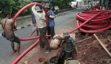 Foto Ini Cara Djarot Tata Trotoar di Jakarta