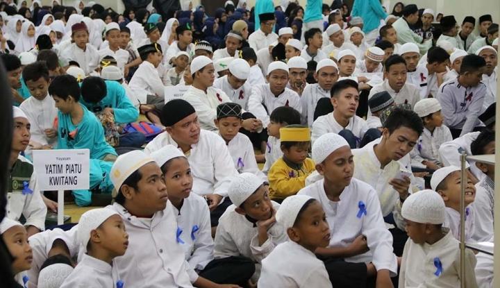 Foto Berita PWI Bubker Bareng Ratusan Anak Yatim