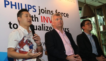 Foto Philips Gandeng Invia Solusindo Pasarkan Commercial Displays