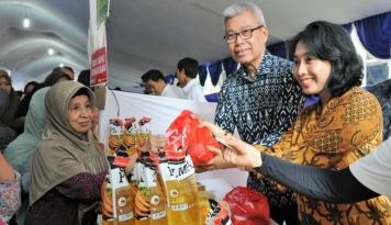 Foto Kemenkop UKM Gelar Pasar Murah dan Bazaar Ramadan