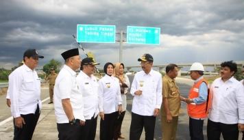 Foto Jelang Arus Mudik, Gubsu Ujicoba Tol Kualanamu-Sei Rampah