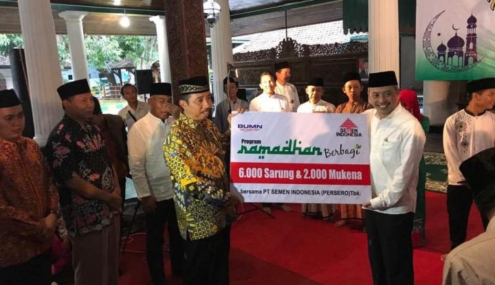 Foto Berita Semen Indonesia Berikan Santunan Kepada 500 Anak Yatim