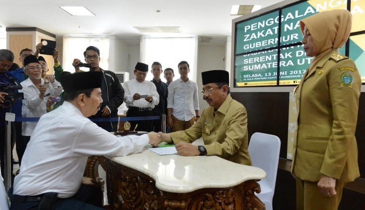 Foto Berita Baznaz Sumut Salurkan ZakatRp807 Juta untuk Kaum Dhuafa