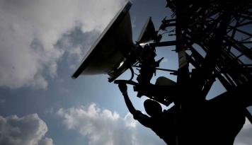 Foto Bikin Warga Betah di Rumah, Inggris Hapus Batasan Layanan Fixed Broadband