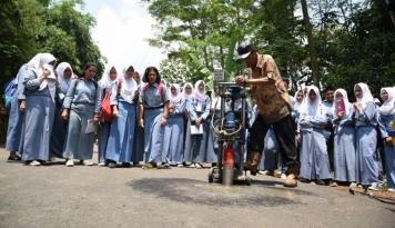 Foto Pelajar se-Jatim Tolak