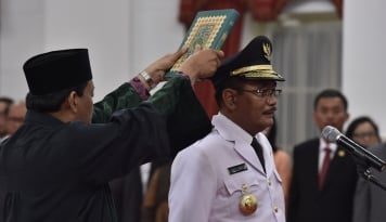 Foto Gubernur Djarot Minta Warga Kemang Tertib Aturan