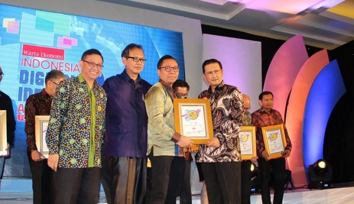 Foto Berita SCBI Menerima Penghargaan Indonesia Digital Innovation Award 2017