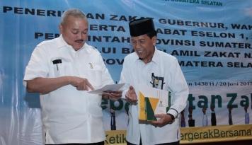 Foto Sumsel Jadi Provinsi Pertama Menyalurkan Zakat ke BAZNAS