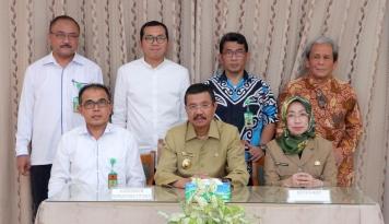 Foto Gubernur Sumut Minta PSU TingkatkanEfisiensi dan Produksi