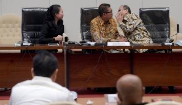 Foto Pansus-Jaksa Agung Bahas Mekanisme Kerja, KPK?
