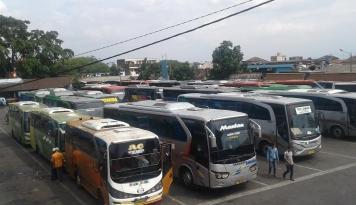 Foto Damri Kerahkan Bus Khusus Angkut Lansia-Perempuan