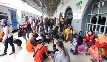Foto Stasiun Senen dan Gambir Siapkan 79 Perjalanan Hadapi Pekan Natal dan Tahun Baru 2019