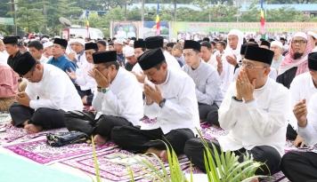 Foto Idul Fitri, Gubernur Erry Nuradi Ajak Warga Jaga Persatuan di Sumut