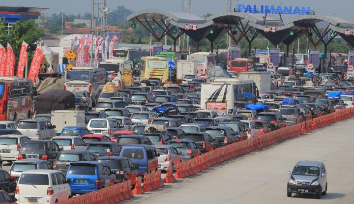 Foto Berita Mudik Lebaran 2018, Gerbang Tol Trans Jawa Diprediksi Macet