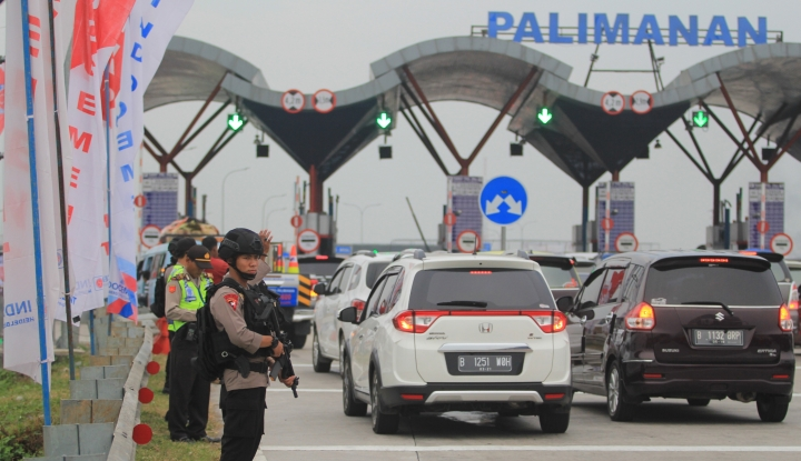Foto Berita Gerbang Tol Palimanan Berlakukan Transaksi Tunai