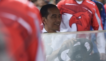 Foto Jokowi Kunjungi Universitas Gadjah Mada