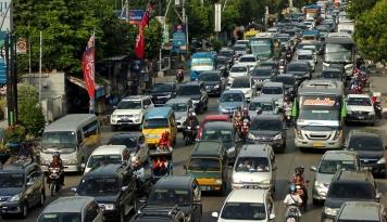 Foto Jokowi Terjebak Macet Setengah Jam Karena Persemayaman Mendiang Ciputra