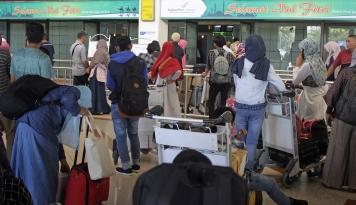Foto 768.650 Penumpang Padati Bandara Juanda pada H+1