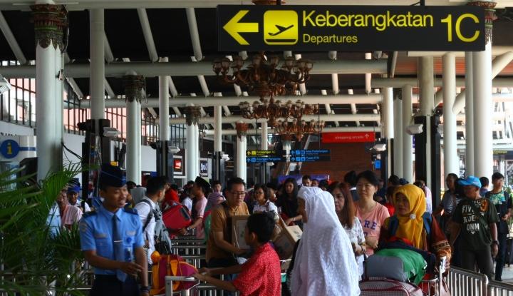 Lebaran Sebentar Lagi, Penumpang di Bandara Soetta Cuma Naik 3% - Warta Ekonomi