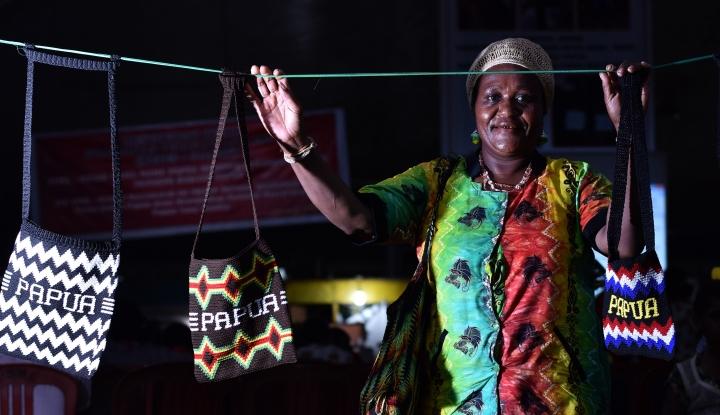 Putri Gus Dur Bilang Aparat Jangan Curiga Melulu ke Orang Papua - Warta Ekonomi