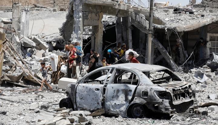 Foto Berita Israel Bombardir Pangkalan Udara Militer Suriah