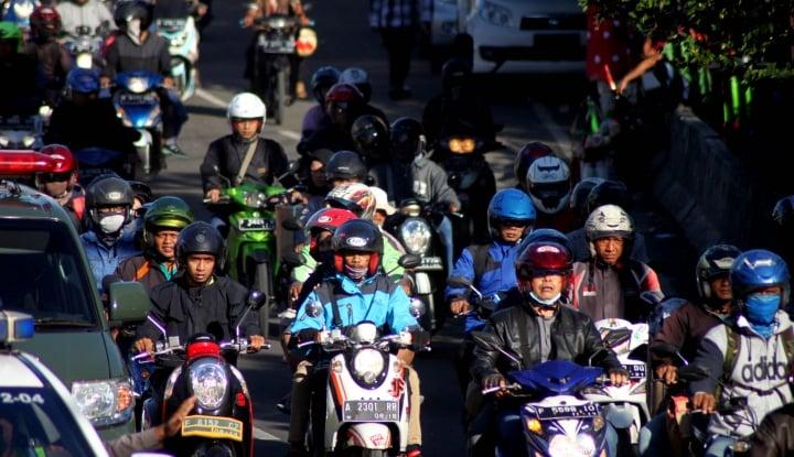 Foto Berita Pemudik Sepeda Motor Padati Jalur Utara Sukabumi