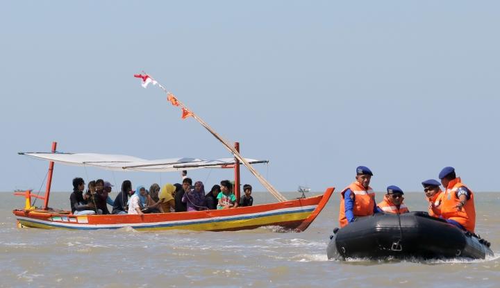 Foto Berita Tim SAR Gabungan Temukan Jagar Bagas, Korban Tenggelam di Karanghawu