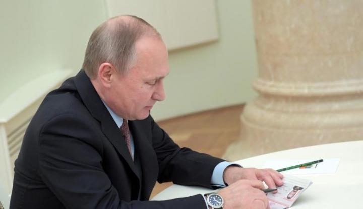 Foto Berita Menlu Belanda Akui Berbohong Soal Pertemuan dengan Putin di 2006