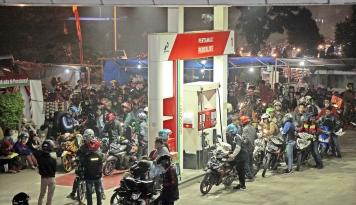 """Foto Dukung Kebijakan """"BBM Satu Harga"""", SPBU Harus Diperbanyak"""