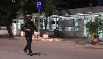 Foto Pria Diduga Teroris Tikam Dua Polisi di Trunojoyo