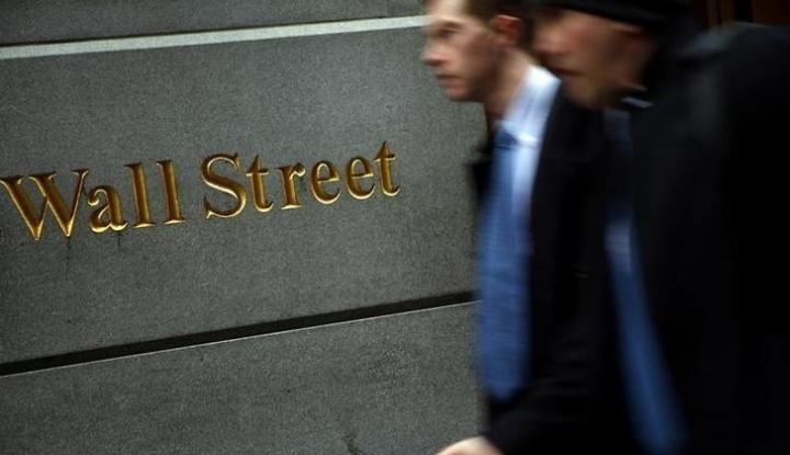 Wall Street Jatuh Akibat Data Pekerjaan dan Ketegangan Perdagangan - Warta Ekonomi