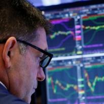 Wall Street Berakhir Jatuh Tertekan Sentimen Negatif - Warta Ekonomi