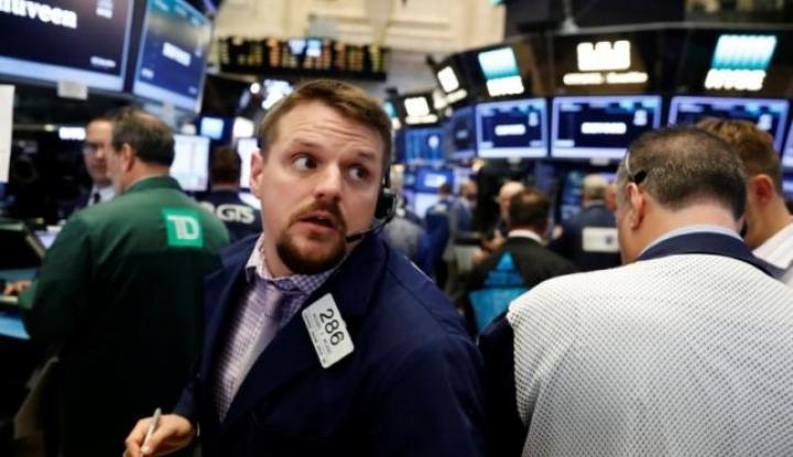 Foto Berita Saham Wall Street Bervariasi di Tengah Aksi Jual Saham Produsen CHIP