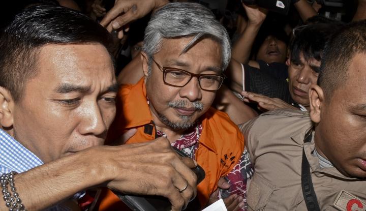 Foto Berita Gubernur Sulteng non Aktif Divonis 12 Tahun