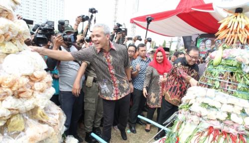 Foto Ganjar Ajak PNS Tegal Sumpah Antikorupsi