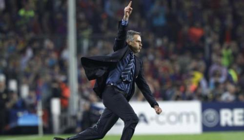 Foto The Special One Mourinho Jatuh Cinta dengan Permainan Lukaku