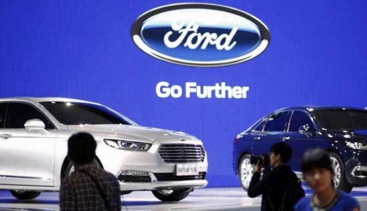 Foto Berita Meski Trump Melarang, Ford Ngotot Impor Mobil dari China ke AS